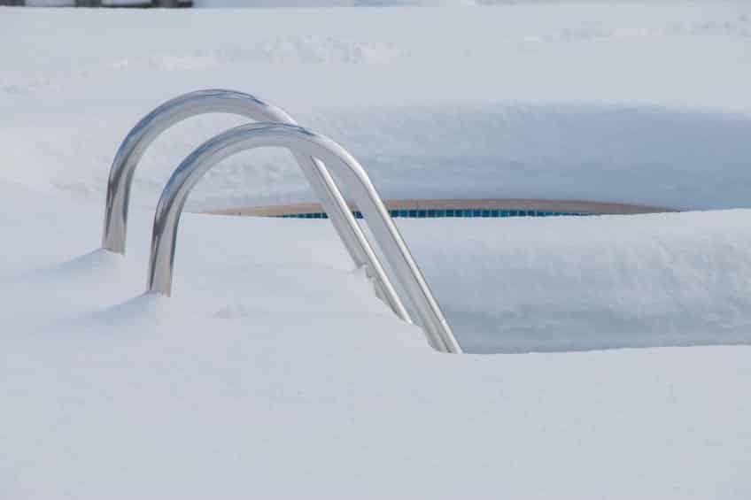 Comment stocker l'eau de la piscine en hiver?